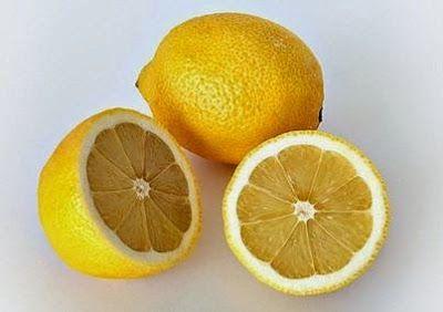 Máj tisztítása citrommal és szódával